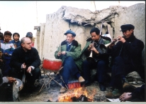 Learning with the Hua band, 2001 https://stephenjones.blog/2017/03/14/walking-shrill-shawm-bands-in-china/